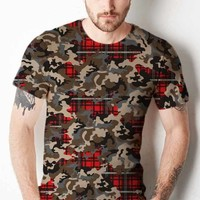 Men's Woodland Camouflage & Red Plaid Print T-Shirt