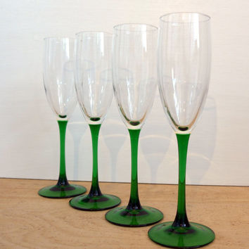 Vintage Set of 4 Luminarc France Green Stemmed Champagne Glasses or Flutes - Mid Century Modern