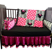 Minnie Mouse Crib Bedding Set (Regular Crib Size)
