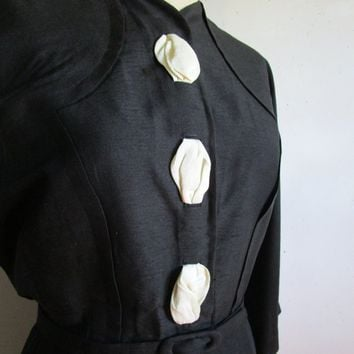 Dupioni Silk 1950s Day Dress Black White Textured Silk Handmade Vintage 50s Ladies Wiggle Dress 12US