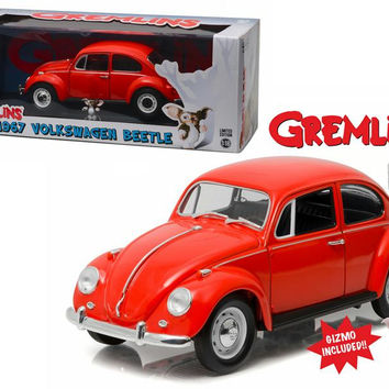 1967 Volkswagen Beetle Gremlins Movie (1984) with Gizmo Figure 1-18 Diecast Model Car by Greenlight