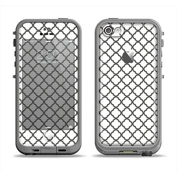 The Dark Gray & White Seamless Morocan Pattern Apple iPhone 5c LifeProof Fre Case Skin Set