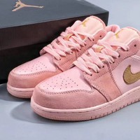 WMNS Air Jordan 1 Low Pink Sneaker