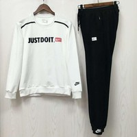 NIKE autumn and winter models of high-quality fashion sports and leisure fitness two-piece White