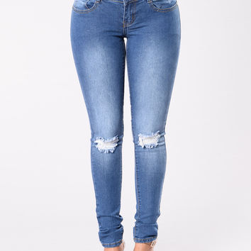 I Knee You Now Jeans - Medium Wash