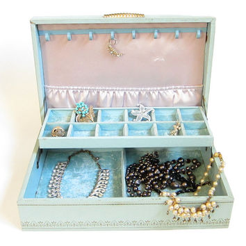 Jewelry Box Vintage Leatherette Hard Case Aqua Blue or Mint Green with Bracelet and Ring Storage