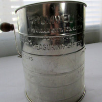 13-0803 Vintage Bromwell's Flour Sifter / Baking Sifter / Kitchenware