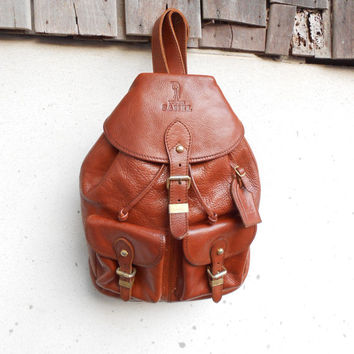Vintage YOUNG CAMEL Brown Leather Backpack , Rucksack // Small // Made in Italy