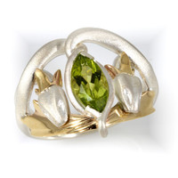 Barahir ring or Kings ring: Sterling silver and 10ct yellow gold with 10x5mm Peridot 1ct. SizeR1/2.  Size9 US