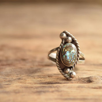 Abalone Ring - Mother of Pearl vintage ring - Size 5.75 - Sterling Ring - bohemian Natural Shell Ring - vintage boho Gift - bohochic jewelry