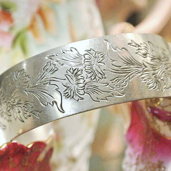 KIRK Stieff Chrysanthemum Pewter Cuff October Flower 1970s Designer Artisan Jewelry Limited Production Bangle Bracelet Southwest Boho Gypsy