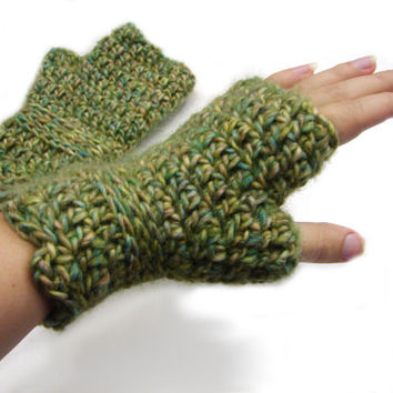 Green crochet fingerless gloves, warm wool mittens, wristwarmers