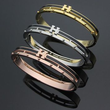 Hermes Women Fashion Hollow Out Bracelet Jewelry
