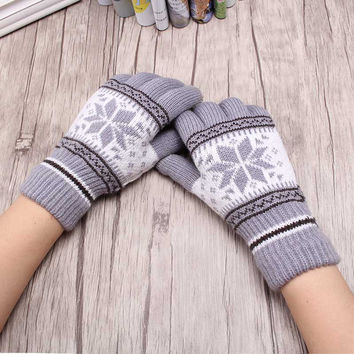 Fashion Winter Warmer Snow Flower Gloves Woman Girls Wool Knitting Accessories Full Fingers Glove Mittens