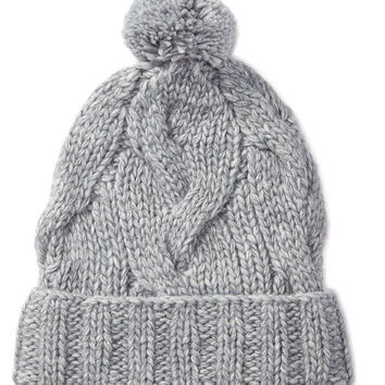 CHUNKY CABLE-KNIT HAT