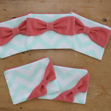 Bridesmaid Gift Set / Bachelorette Favors - Mint Chevron Coral Bow - Wedding Cosmetic Cases - Customizable Quantity and Bow Style