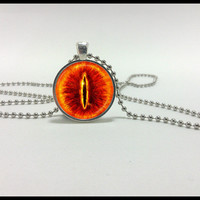 The Eye of Sauron necklace- All seeing eye - glass pendant - Lord of the Rings  Jewelry