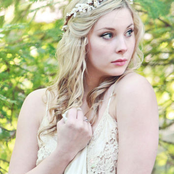 woodland crown rustic wedding headpiece berries by serenitycrystal