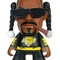 SNOOP DOGG FIGURE