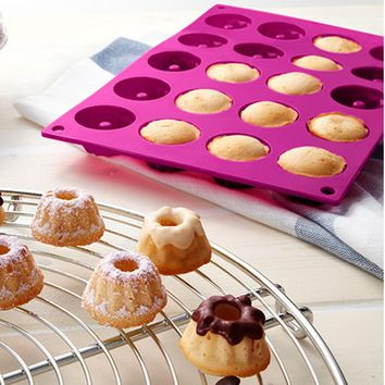 High quality 20 cavity  silicone bakeware Savarin shape tableware pudding mould and chocolate tools chiffon cake mold mini pan