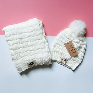 UGG Classic Popular Women Men Warm Knit Hat Cap Scarf Set Two-Piece White