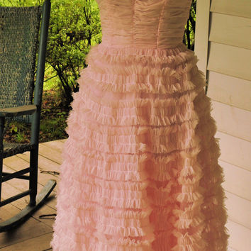 1050s Vintage Prom Dress/1950s Vintage Strapless Party Dress /1950 Vintage Strapless Pink Puff Prom Dress Made in the USA Size S