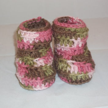 Pink Camo Crochet Baby Booties - 0 to 3 Months - Pink Camouflage Booties Baby Girl
