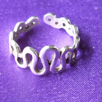Silver Looping Style Toe Ring, Size 3 1/2, Midi Stacking Jewelry, Vintage Sterling Precious Metal Ladies Bling, Free Shipping and Gift Box