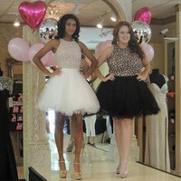 Summer Style Luxury Mini Crystal Cocktail Dresses White Or Black Lace Cocktail Dress Rhinestone Plus Size Beaded Party Gowns