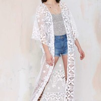 Lisa Maree The Breaking News Crochet Kimono