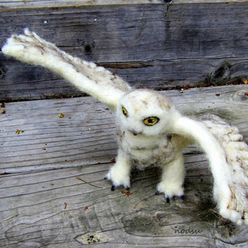 Owl sculpture, fiber art, needle felted, snow owl, snowy bird, white bird,  bendable wings