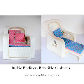 Vintage Barbie Recliner. Perfect chair for your dollhouse, barbie house, or collectors item. Kids children gift toy. Matel  Circa 1988