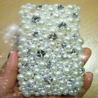 New Chic Luxury All White Pearls Big Crystals Bling Rhinestones iPhone 4s 5s 6 Plus Case Cover - Casemoda | Pinkoi