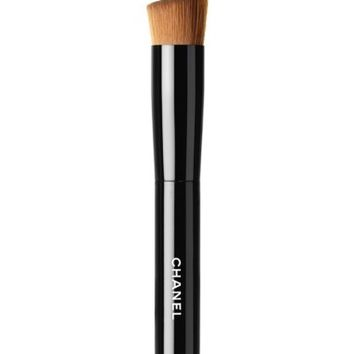 CHANEL LES PINCEAUX DE CHANEL 2-in-1 Foundation Brush | Nordstrom
