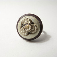 FALL CHRYSANTHEMUM COTTAGE Boho Rustic: White Flower Triptych Button Ring.