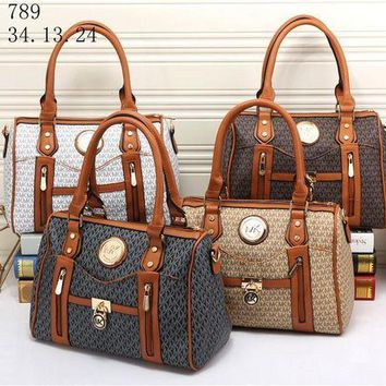 DCCKVQ8 Michael Kors' Retro Fashion Multicolor Print Single Shoulder Messenger Bag MK Women Temperament Handbag