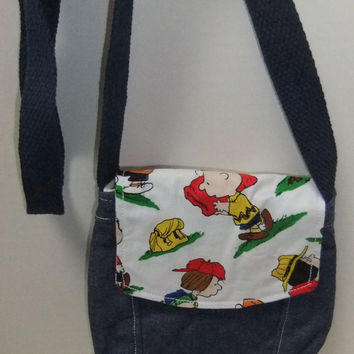 Small Messenger Bag - denim - made by me with licensed Peanuts print - crossover purse