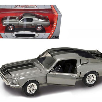 1968 Shelby GT 500KR Silver 1-18 Diecast Model Car by Road Signature