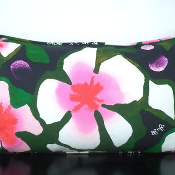 Flower pillow cover in emerald green hot pink and black, floral lumbar in 20x12 in tropical decor for armchairs or beddings