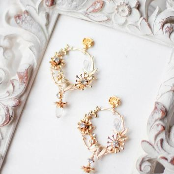 Bridal Earrings Hoop Earrings Pearl Chandelier Bridesmaid Gift Earrings with Floral Details for Bride Bridesmaid Mother of Bride Groom