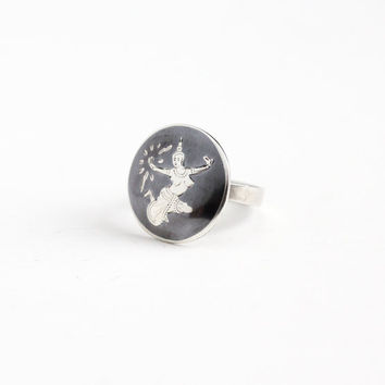 Vintage Sterling Silver Dark Gray Niello Siam Ring - 1940s Size 6 Thai Thailand Goddess Mekkala Goddess of Lightning Round Jewelry