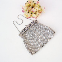 Vintage Whiting Davis Mesh Purse 1940s Bag Silver Metal Clutch Small Silver Frame