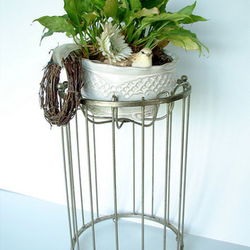 Vintage Metal Wire Stand  Use for plants bowls by ThirdShift
