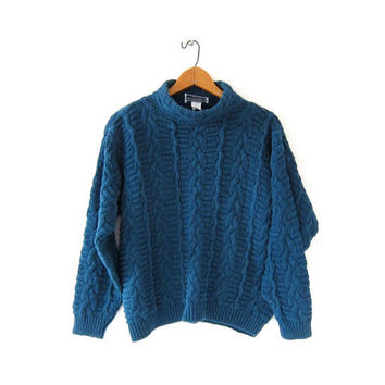 vintage chunky knit sweater. cable knit sweater. cropped sweater. heavy knit sweater.
