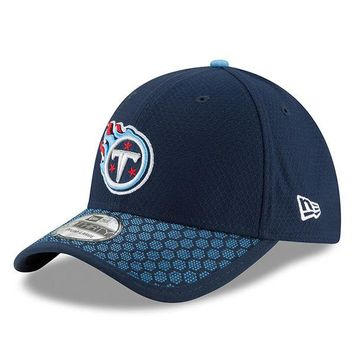 Men's Tennessee Titans New Era Navy 2017 Sideline Official 39THIRTY Flex Hat