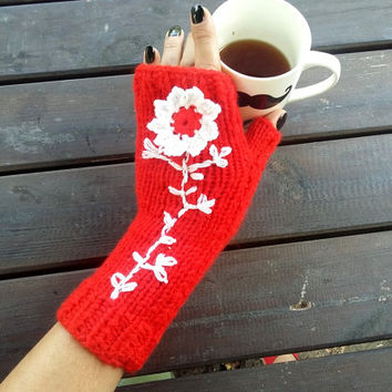 Red Gloves, Gloves Crochet, Handmade Gloves, Red Knitted Gloves, Fingerless Gloves, Arm Warmers, Warm Gloves, Knit Fingerless, Gift Ideas