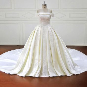 Elegant Lace Appliques Ball Gown Wedding Dresses Sexy Strapless Royal Train Bridal Gown