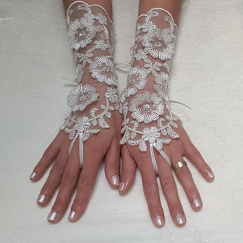 Ivory silvery 3D flower  Wedding lace gloves gauntlet guantes  bridal accessory