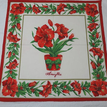 Set of 9, 1980s Vintage Christmas Dinner Napkins with Amaryllis, Red, Green, Gold, White, Poly Cotton Blend, Vintage Christmas Linens, Decor