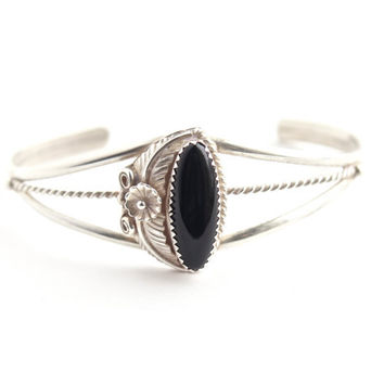 Vintage Sterling Silver Onyx Floral Cuff Bracelet -  Retro Native American Leaf & Flower Triple Band Jewelry / Black Center